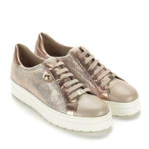 Roze gold fűzős Caprice cipő vastag gumi talppal. Anyaga bőr, nagyon kényelmes, trendi modell. Kényelmes, stílusos cipő.