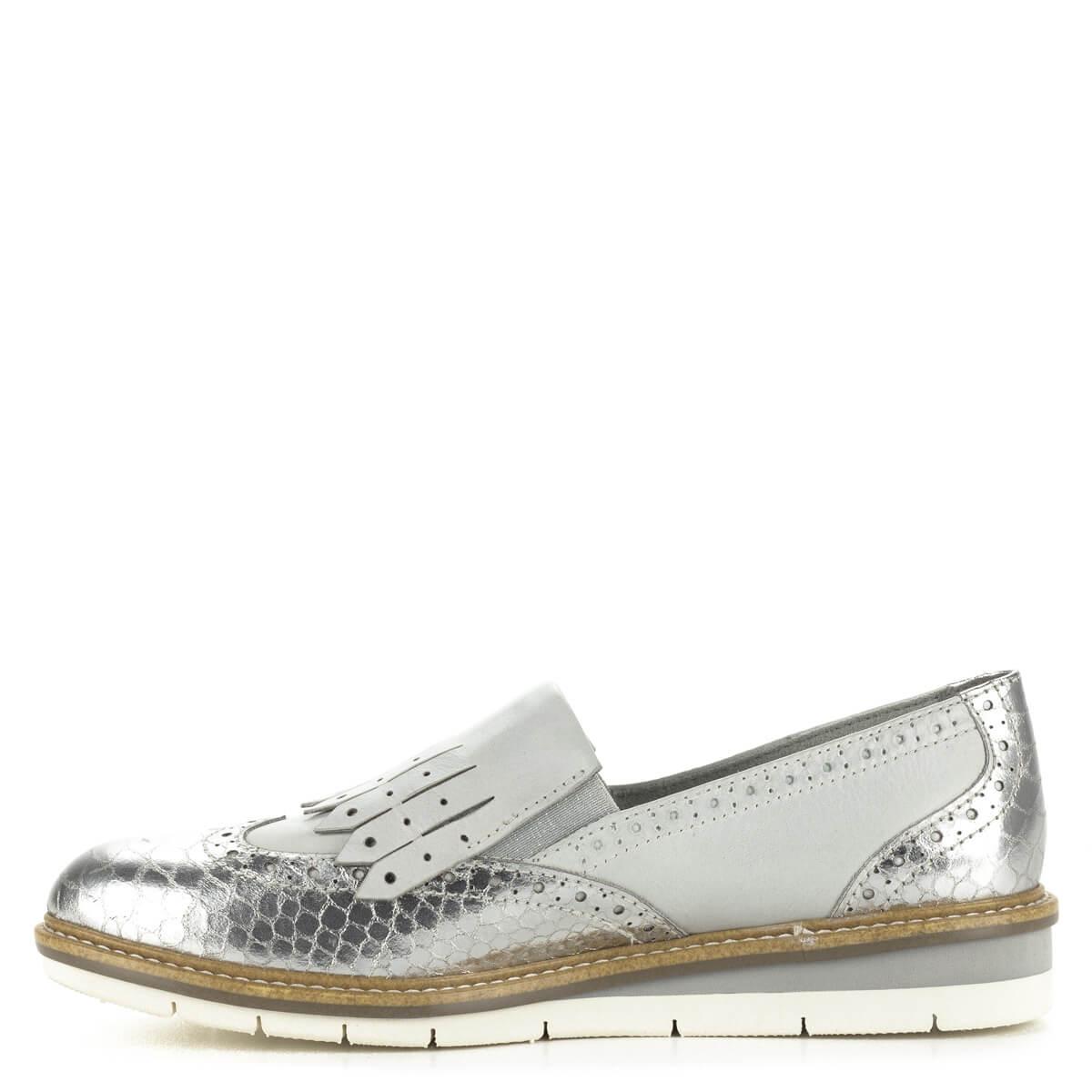 554b9bf7b4fd ... Tamaris női bőr cipő ezüst és törtfehér színben. Stílusos, divatos cipő  kényelmes, lapos ...