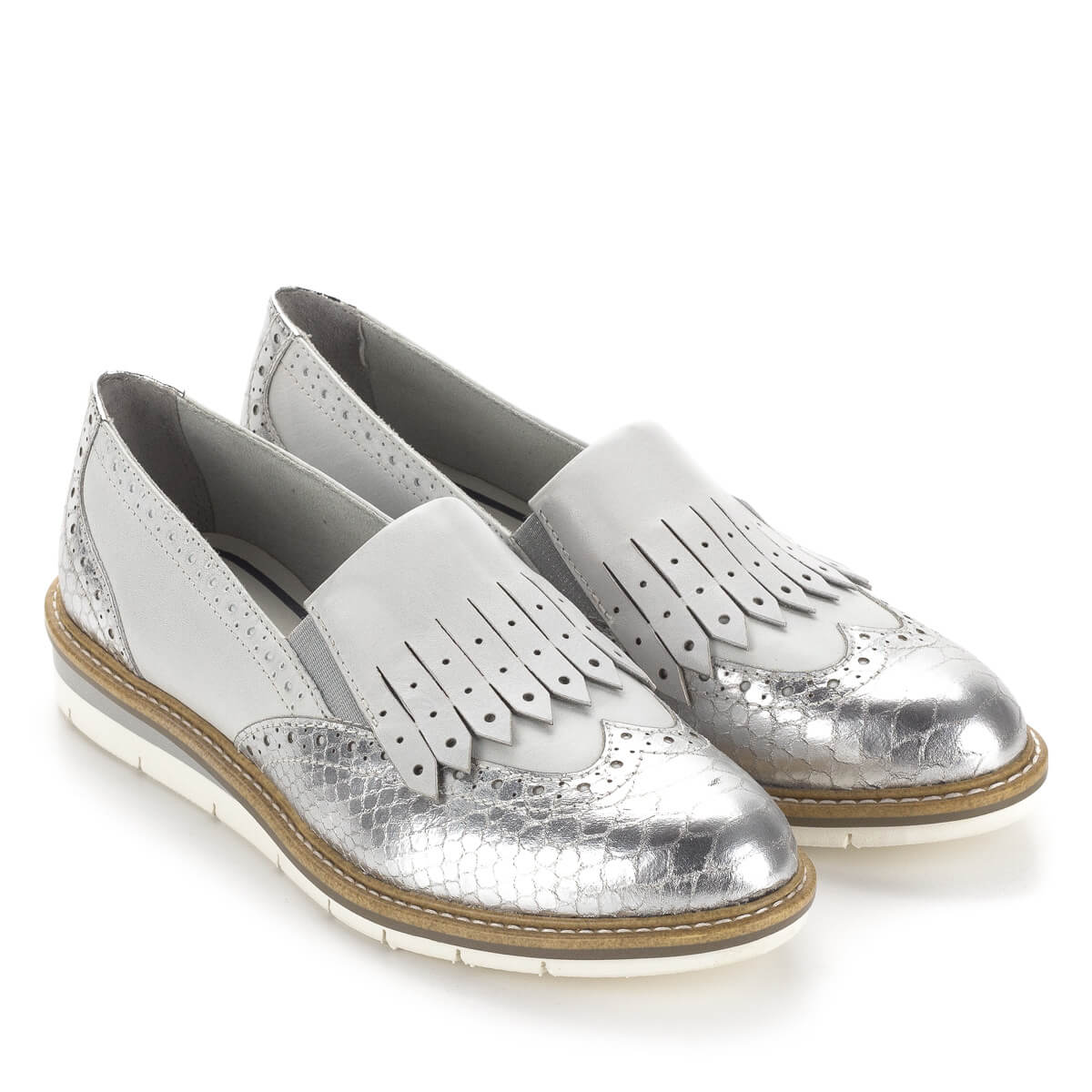 140ccfb8a3a9 Tamaris női bőr cipő ezüst és törtfehér színben. Stílusos, divatos cipő  kényelmes, lapos ...