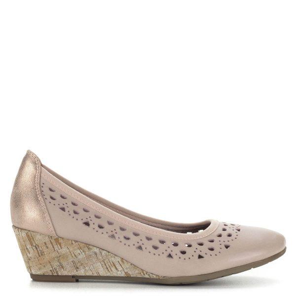 Telitalpú Marco Tozzi cipő rózsaszín, lyuggatott mintás bőr felsőrésszel. Talpbélése memóriahabos, sarka 4,5 cm magas. Ingyenes szállítással rendelhető.