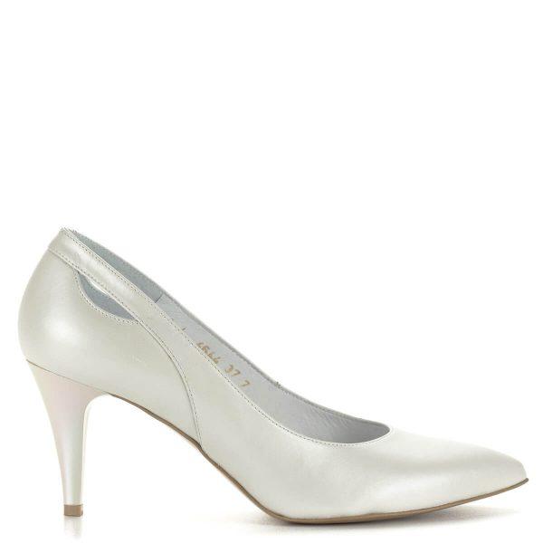 Gyöngyházfehér Anis bőr magassarkú bőr béléssel. Sarka 7,5 cm magas, esküvőre, menyasszonyi cipőnek is ajánljuk. Lengyel bőr cipő.