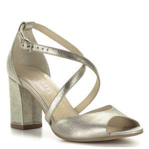 X pántos arany Kotyl szandál 7,5 cm magas sarokkal. Ez a szandál, köszönhetően a pántoknak nagyon jól tartja a lábat, sarka stabil, kényelmes.