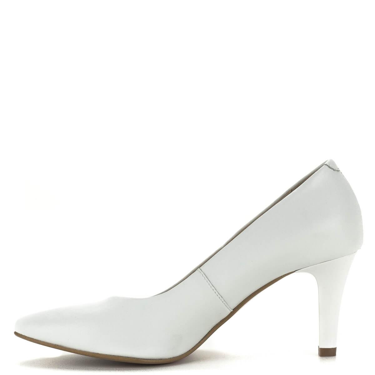 6d113a2e8736 ... Magassarkú fehér Bioeco cipő bőrből, 7 cm magas sarokkal. A cipő  felsőrésze és bélése