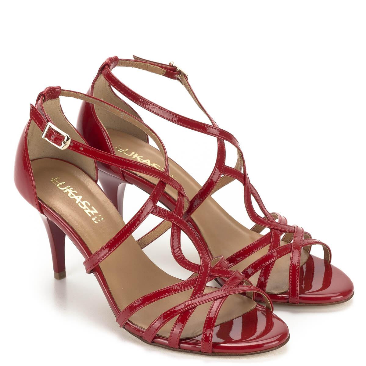 Piros lakk alkalmi cipők t pántos szandál