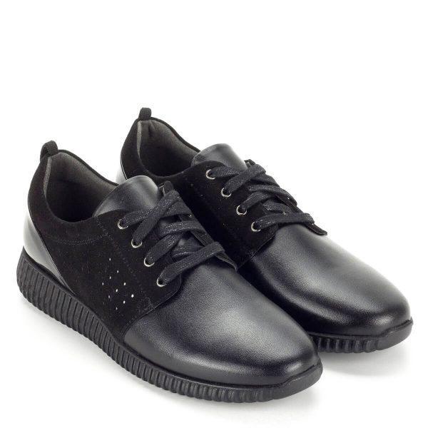 Baldaccini fekete fűzős női cipő bőrből, bőr béléssel. Talpbélése puha, szivacsos. A Baldaccini fekete fűzős női cipő oldalán nubuk bőr betét, kérgén lakk bőr részek találhatóak.A cipő webáruházunkból ingyenes szállítással rendelhető.