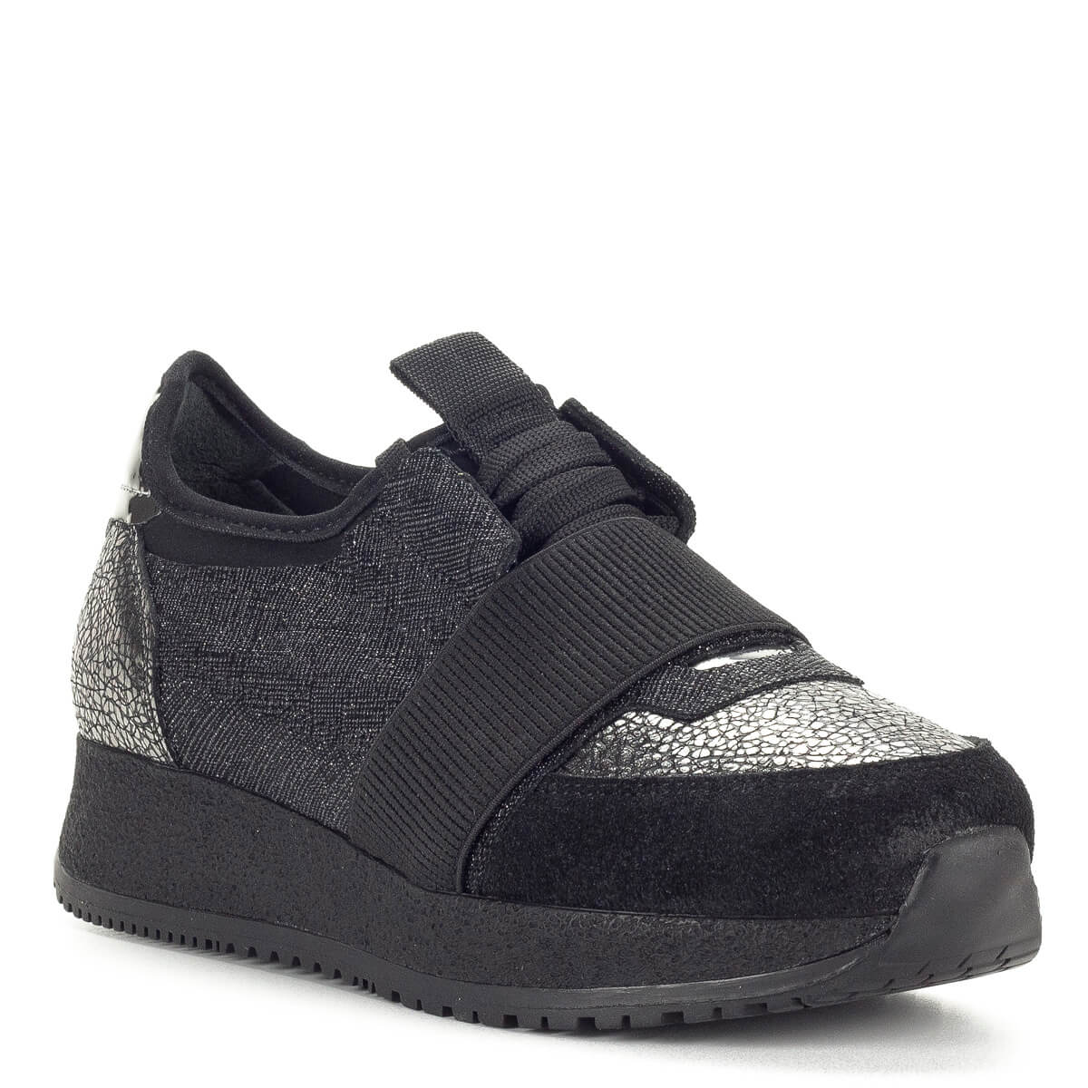 Bestello női bőr cipő fekete színben. Trendi női sneaker vastag fekete  talppal ddc1fa2628