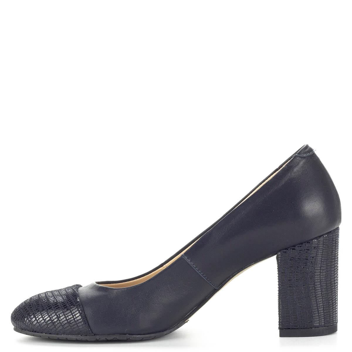 68b37d7199 ... Clarette kék magassarkú női cipő bőr béléssel és bőr felsőrésszel.  Csinos, elegáns női cipő