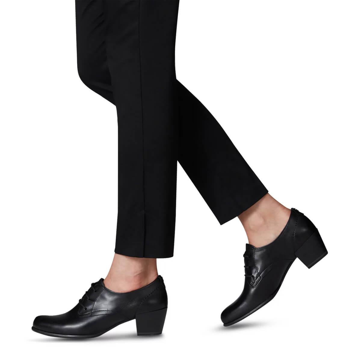 Tamaris fűzős zárt női cipő AntiShokk sarokkal Női cipők