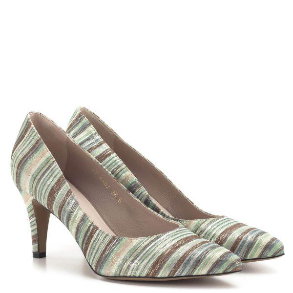 Csíkos bőr felsőrésszel, 7,5 cm magas sarokkal készült elegáns Anis cipő. Bélése is bőr.