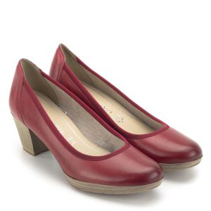 26a99b8997 Marco Tozzi cipő piros színben, kényelméről a Feel Me memóriahabos  talpbetét gondoskodik. A klasszikus