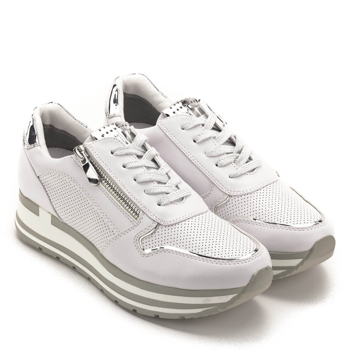 Fehér Marco Tozzi cipő puha memóriahabos talpbetéttel. A talpbetét a  cipőből kivehető 2df89235ae