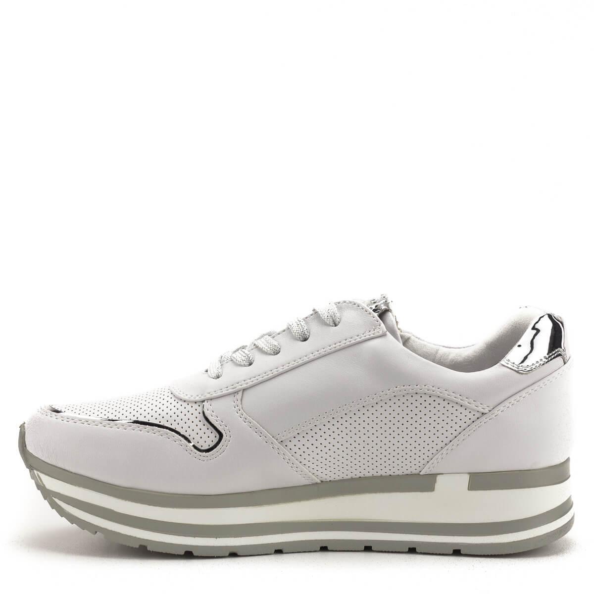 ... Fehér Marco Tozzi cipő puha memóriahabos talpbetéttel. A talpbetét a  cipőből kivehető ee8d26b2a8