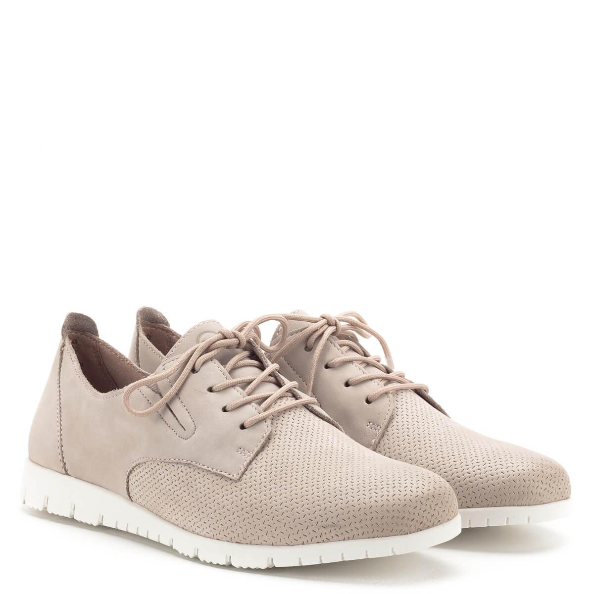 1df66aac0717 ... Tamaris cipő púder rózsaszín színben, kivehető talpbéléssel. A cipő  nagyon puha nubuk bőrből készült ...