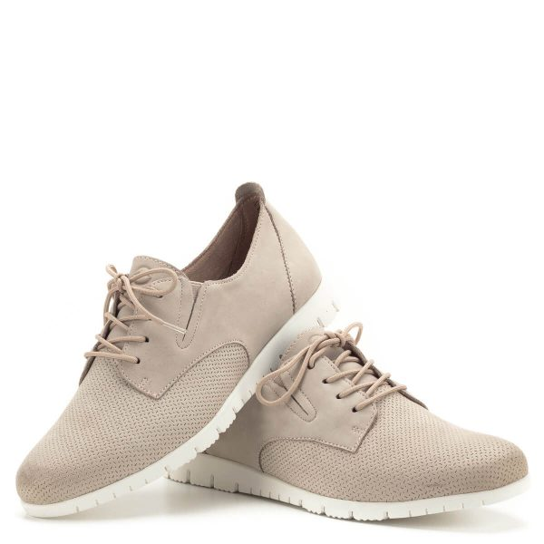 Tamaris cipő púder rózsaszín színben, kivehető talpbéléssel. A cipő nagyon puha nubuk bőrből készült, minőségét és megjelenését tekintve is kifinomult darabnak nevezhető. A Tamaris új kollekciójának modellje. - Tamaris 1-23200-22 595