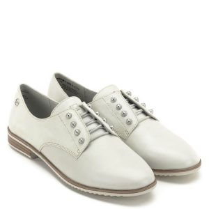 Tamaris cipő törtfehér színben. Cipőfűző helyett fix gumis fűzővel készült.  Sarka 2 cm magas ceb53b0406