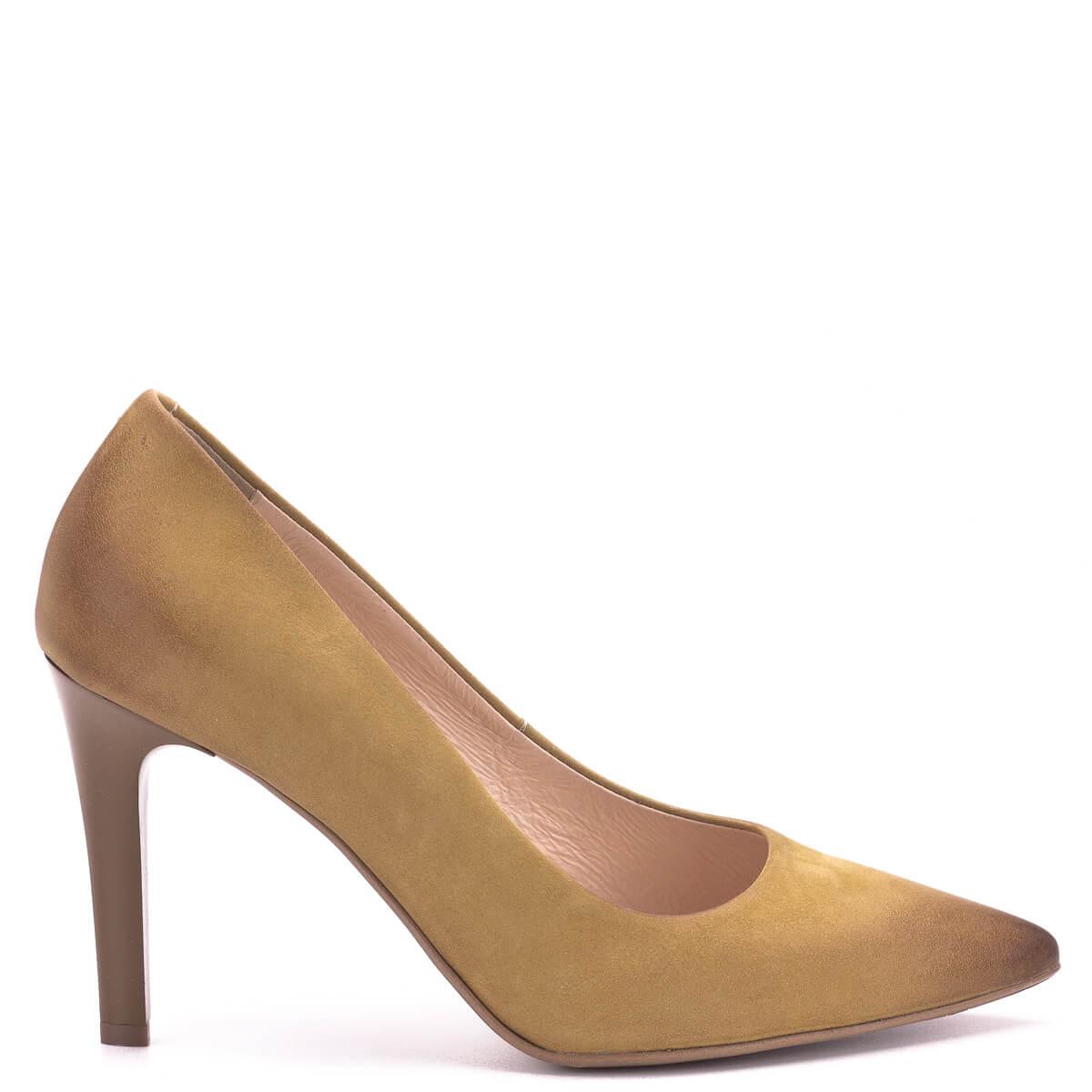 56f4503c8b Klasszikus; Bioeco cipő sötét mustár színben bőrből, bőr béléssel, sarka 9  cm magas.