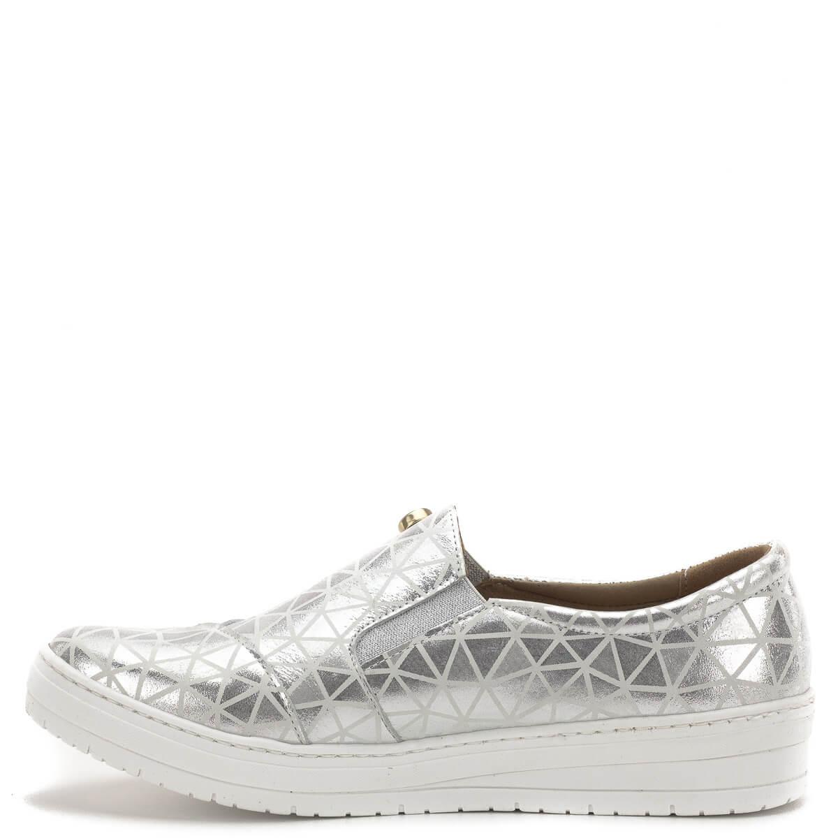 795e8eb7a5 ... Carla Ricci cipő, lábfejen zárt, gumi betéttel. Ezüst színű bőrből, bőr  béléssel