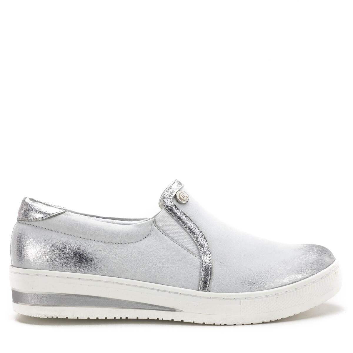 bd77bc5706 Kényelmes zárt női cipő; Carla Ricci cipő fehér-ezüst színben, vastag gumi  talppal. Kényelmes zárt női cipő