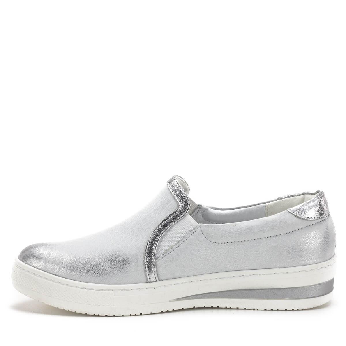 dae95089e4 Kényelmes zárt női cipő; Carla Ricci cipő fehér-ezüst színben, vastag gumi  talppal. Kényelmes zárt női cipő ...