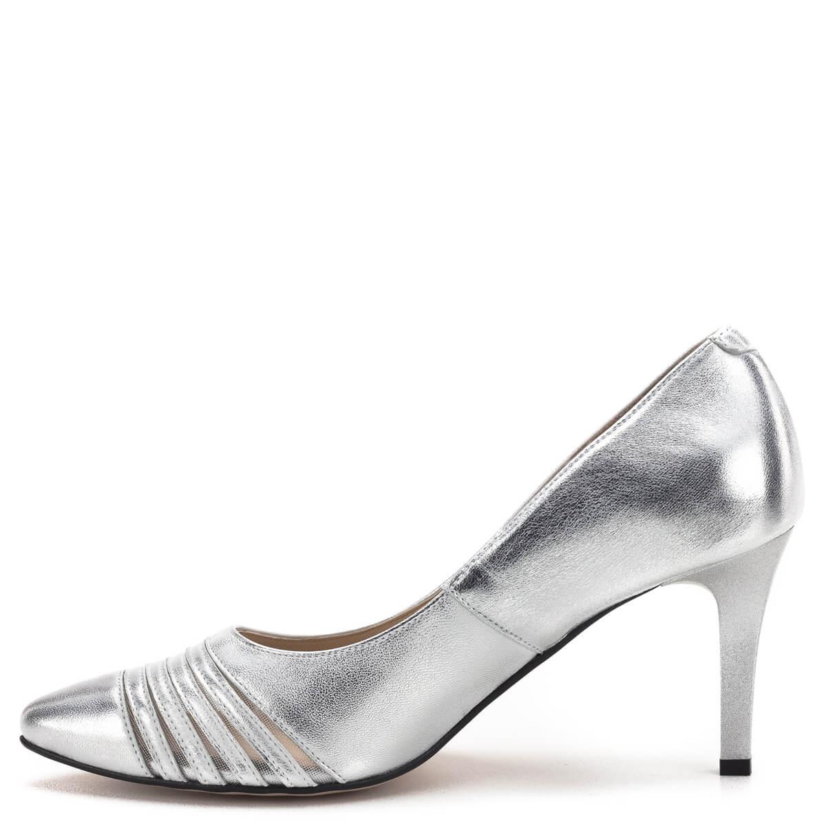 b12ae59896 Kívül-belül; Carla Ricci cipő ezüst színben, 7,5 cm magas sarokkal.  Kívül-belül
