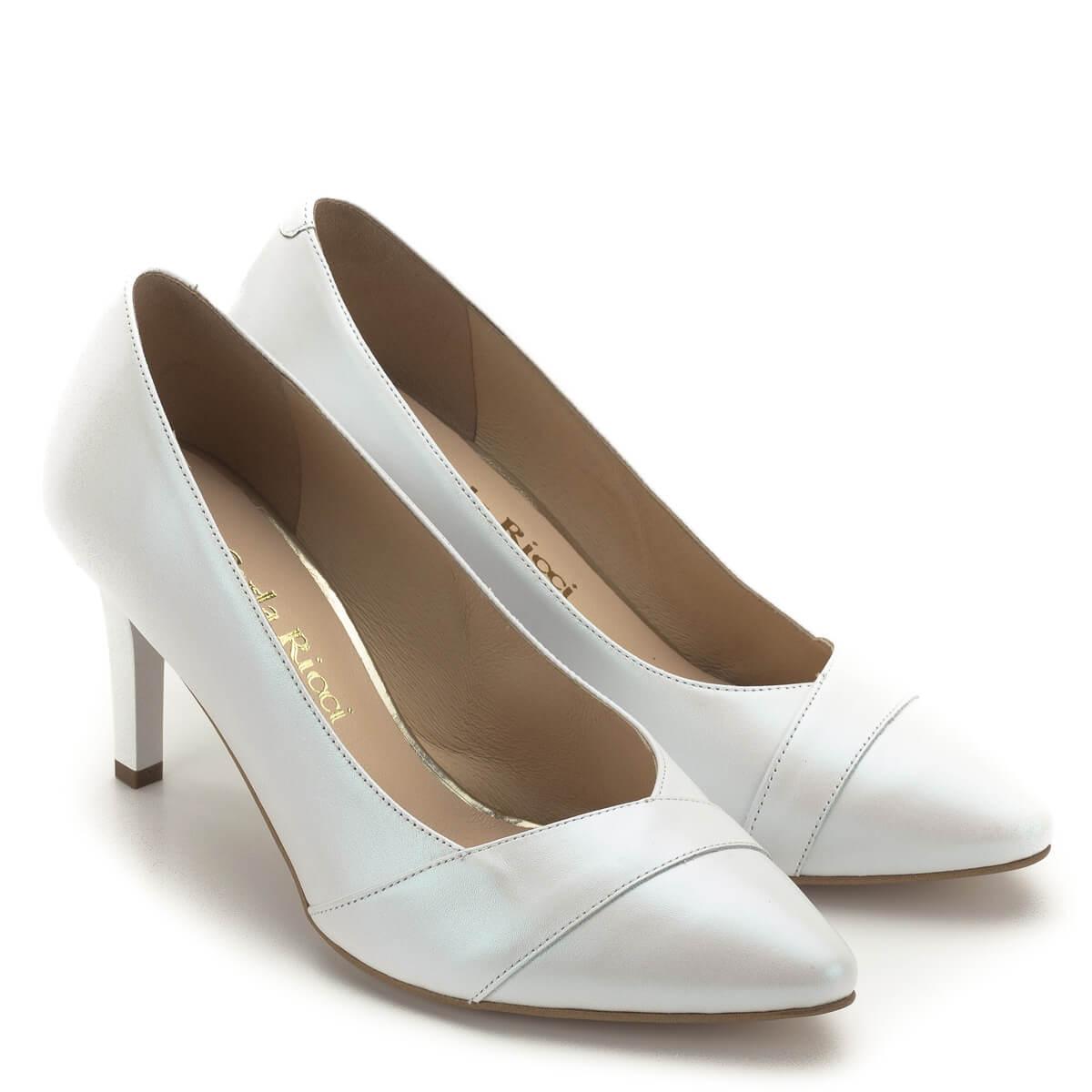 78ecb5839e Esküvői cipőnek,; Carla Ricci cipő gyöngyházfehér színben, 7,5 cm magas  sarokkal.