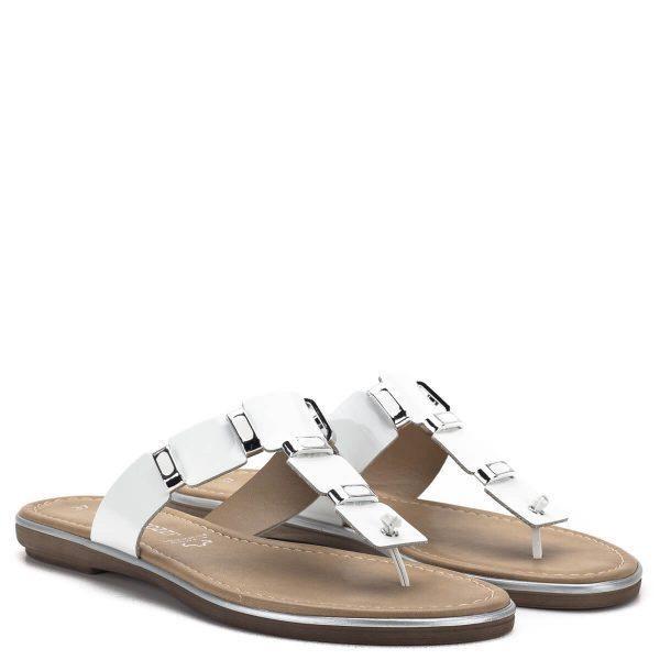 Fehér Marco Tozzi papucs lakk bőrből, ezüst fém részekkel, a Marco Tozzi 2019-es nyári kollekciójának darabja - Marco Tozzi 2-27123-22 123