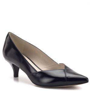Anis cipő törpe tűsarokkal, hegyes orral. A cipő bőrből készült, bőr béléssel, magas-, vagy a magassarkú cipőket viselni nem tudó hölgyeknek ajánljuk. A 4,5 cm magas sarok kényelmes, elegáns, bármely alkalmon megállja a helyét.. - Anis cipő - Anis 3656 BLACK