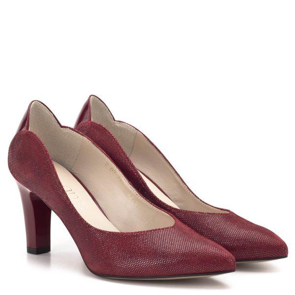 Piros magassarkú Anis cipő 7,5 cm-es sarokkal, kérgén lakk betéttel. A cipő bőrből készült, bőr béléssel. Elegáns alkalmi cipő, a vastagabb sarok nagyobb biztonságot nyújt. - Anis cipő 4593 PUNTINO RED LAK