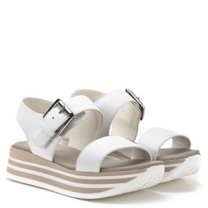 Fascino Donna szandál vastag gumi talppal, vastag fehér pántokkal. Pántja csatos, felsőrésze és bélése egyaránt bőrből készült, talpbélése puha, párnázott. Divatos női szandál az olasz gyártó új kollekciójából.