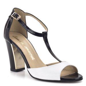 Laura Messi magassarkú szandál fekete-fehér színben. T pántja stabilan tartja a lábat. Anyaga lakk bőr, bélése bőr. A sarok belső része arany színű, fémesen csillogó. - Laura Messi szandál 817 498-418