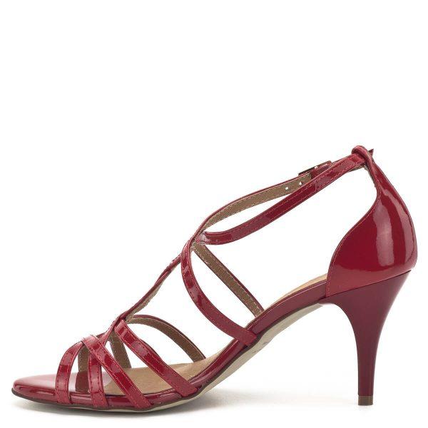 Lukasz - Lukasz szandál piros lakk bőrből. A magassarkú szandál vékony pántjai jól tartják a lábat, a 7,5 cm-es sarok nagyon csinos, de jól hordható kategória. A szandál hátul zárt, a kérges rész a sarkat a helyén tartja. - Lukasz 1755 RED LAK
