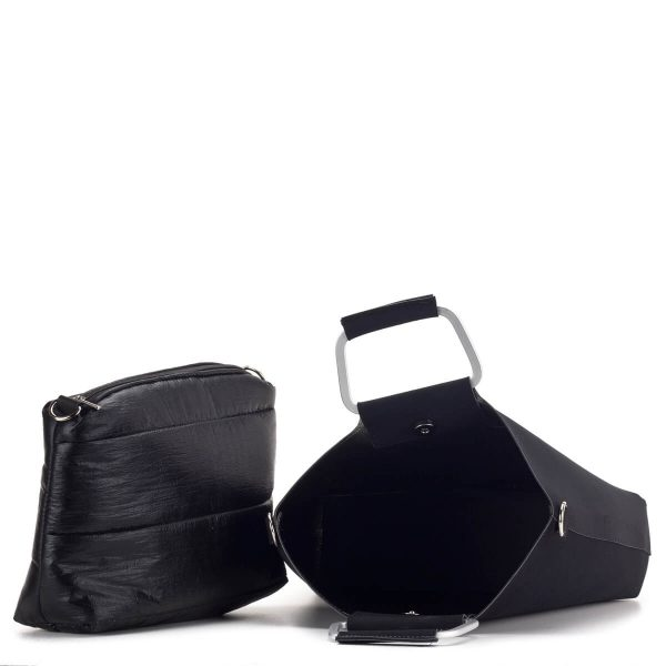Fekete Prestige kézitáska matt külsővel, egybefüggő belső térrel