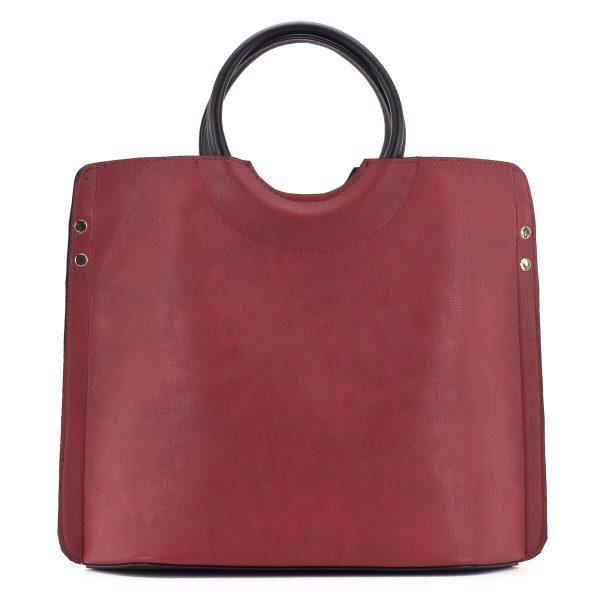 Piros Prestige táska arany szegecsekkel, akár bevásárláshoz is