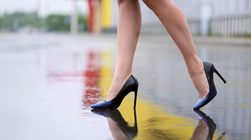 Cipőválasztási tippek irodai környezetbe nőknek. Készülj fel az időjárásra!