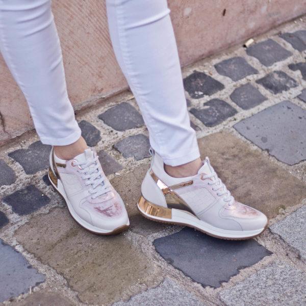 Carla Ricci fűzős női sneakers cipő lapos talppal, fehér színben 10