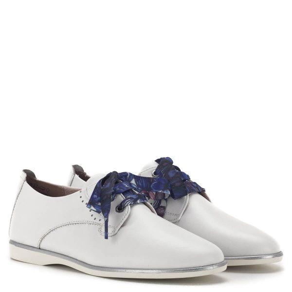 Fehér fűzős Tamaris női cipő lapos talppal, kétféle fűzővel - Tamaris 1-23219-24 100 1