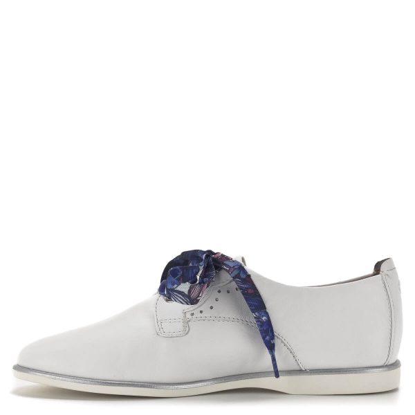 Fehér fűzős Tamaris női cipő lapos talppal, kétféle fűzővel - Tamaris 1-23219-24 100 4