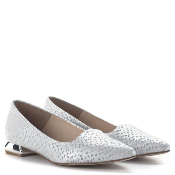 Carla Ricci lapos női alkalmi cipő ezüst színben, különleges sarokkal 1