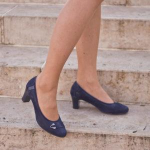Közepes sarkú Anis bőr alkalmi cipő kék színben, bőr béléssel 10