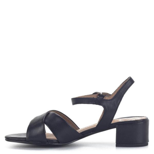 Marco Tozzi fekete női szandál 4,5 cm magasságú stabil sarokkal, széles pántokkal. Marco Tozzi 2-28216-24 001